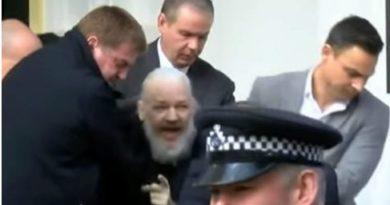Arrestaron a Julian Assange en la embajada de Ecuador