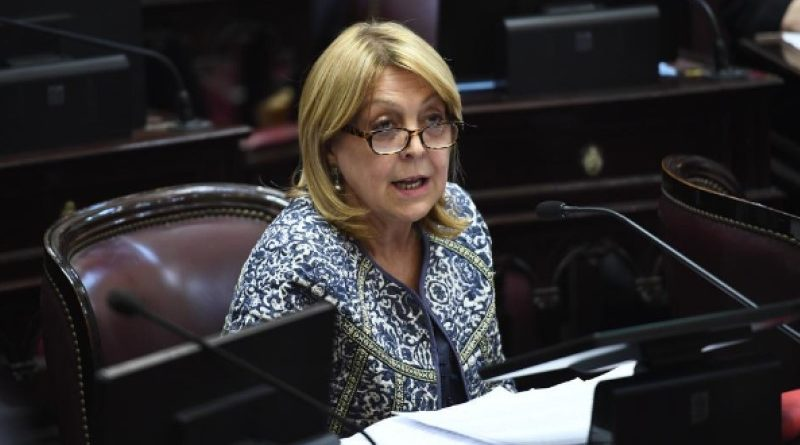 Norma Durango entre los senadores que exigen a Stornelli presentarse ante Ramos Padilla